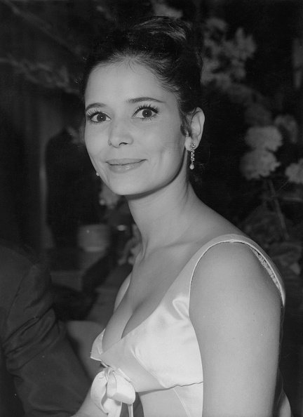 Marie-José Nat assiste à la International Film-Dance 1964 au Funkturm à Berlinle 5 juillet 1964. | Photo : Getty Images
