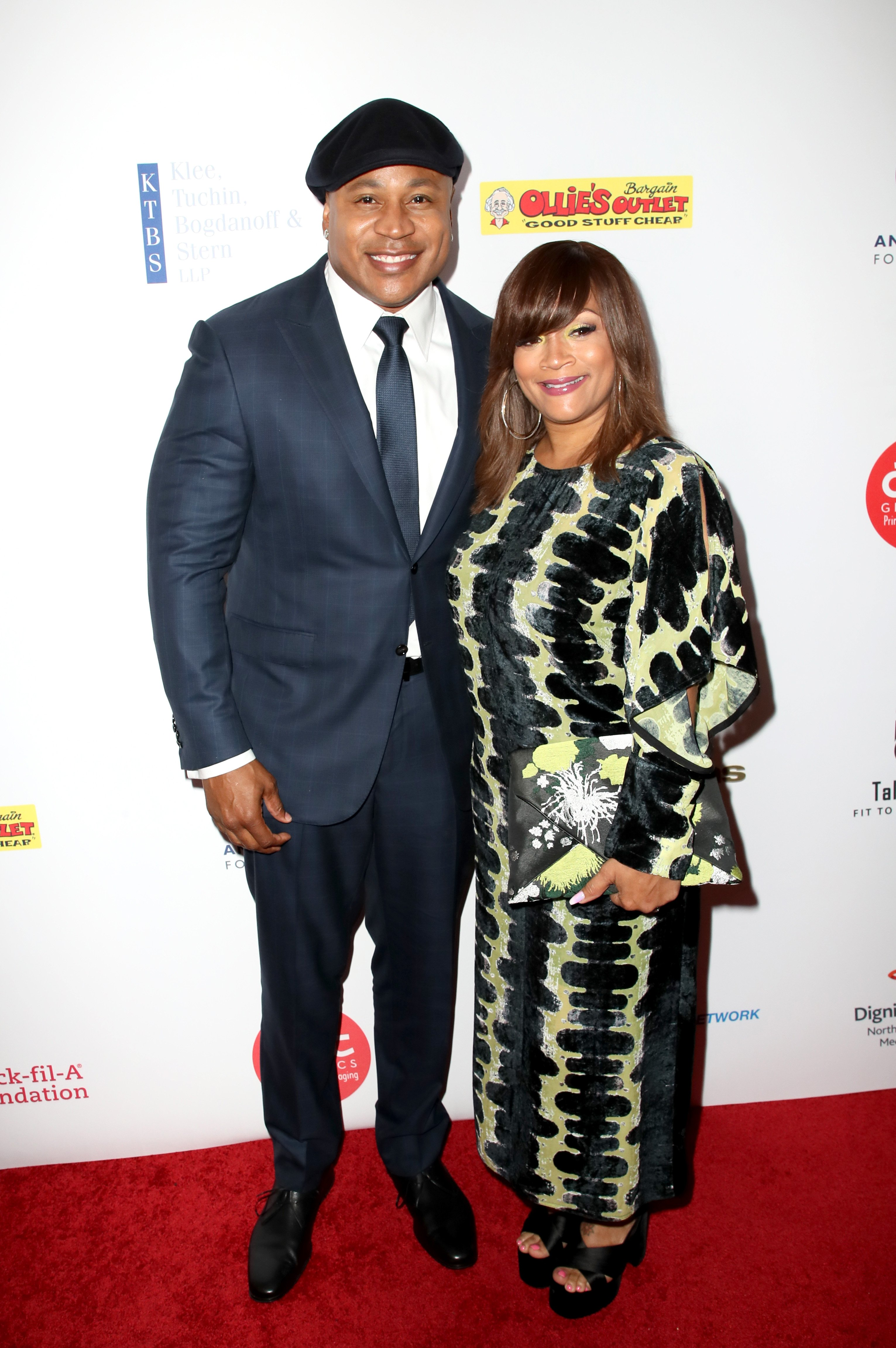 LL Cool J & Simone Smith at the Harold & Carole Pump Foundation Gala in California on Aug. 11, 2017 | Photo: Getty Images