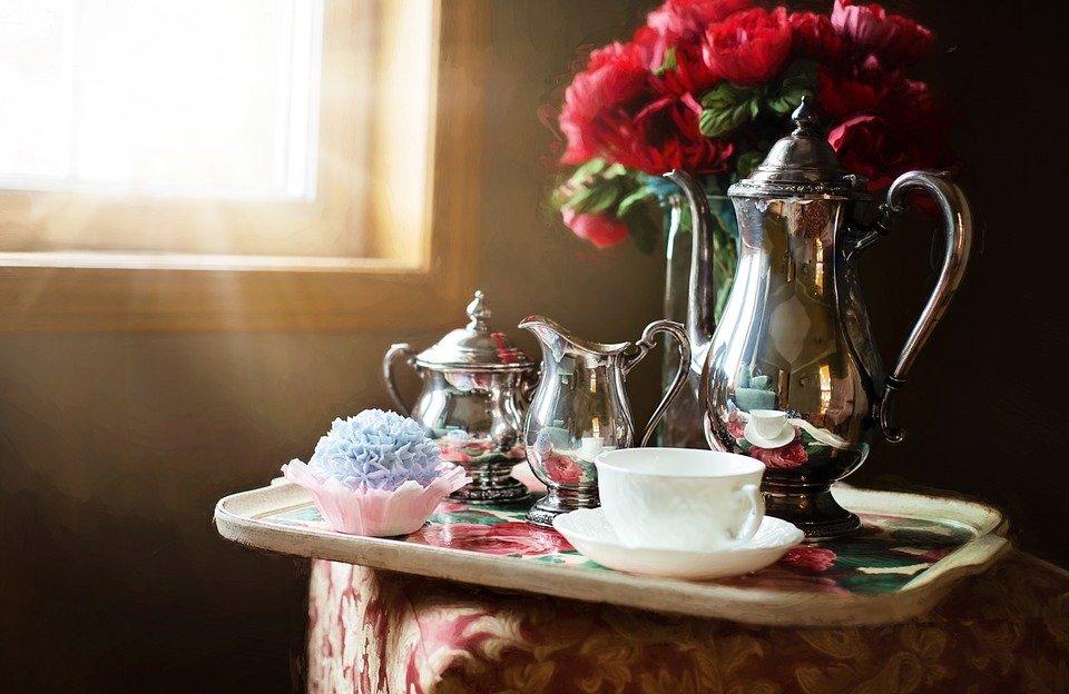 A silver tea set on a tray. | Source: Pixabay