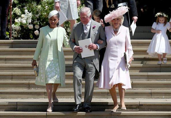 Doria Ragland, Prinz Charles und Camilla bei Meghans und Harrys Hochzeit | Quelle: Getty Images