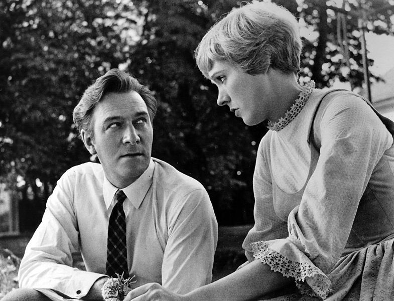 Christopher Plummer and Julie Andrews on location in Salzburg. | Source: Wikimedia Commons