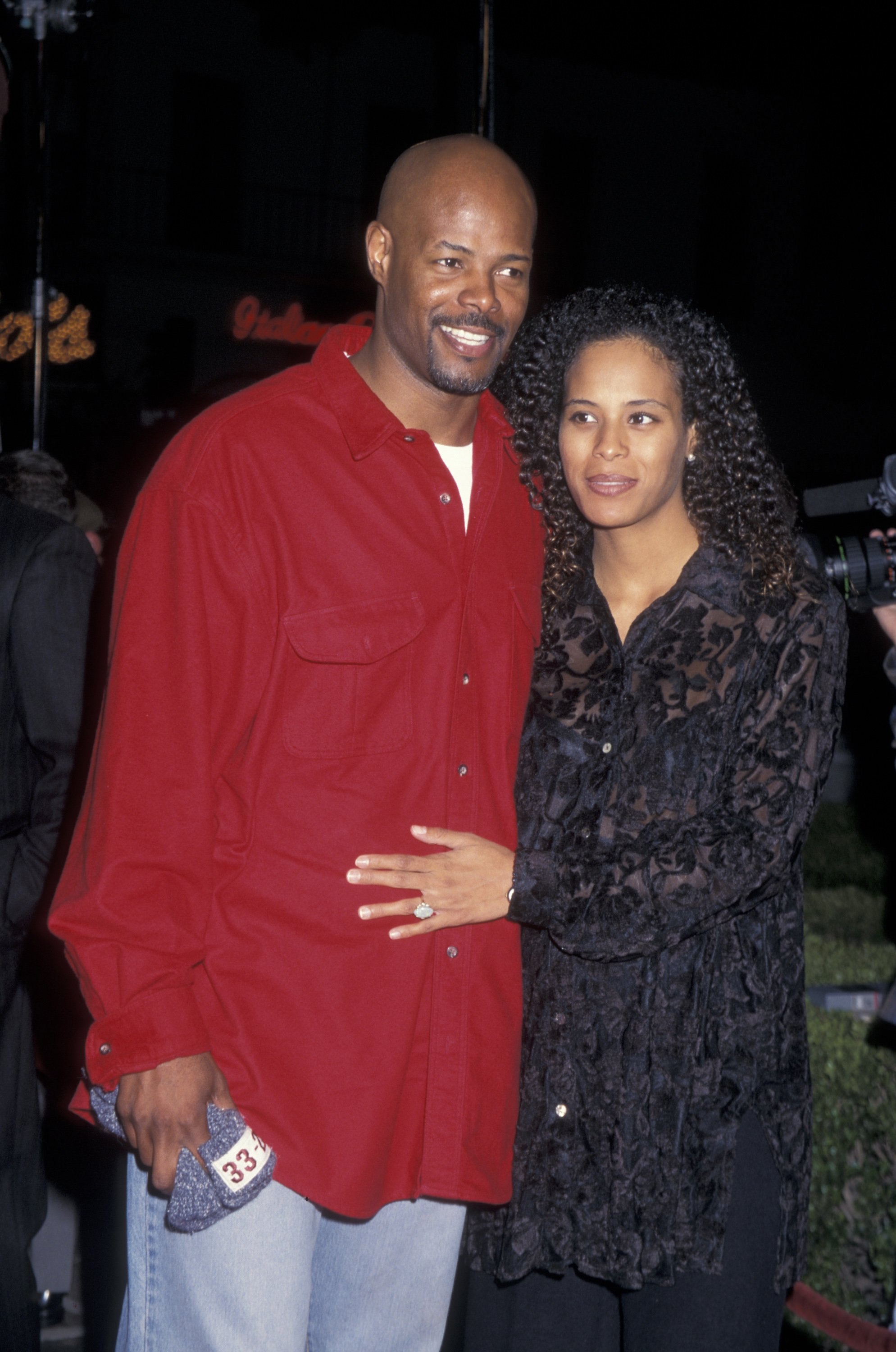 Keenen Ivory Wayans and wife Daphne Polk attending the world premiere of 'Executive Decision' on March 11, 1996   Photo: Getty Images