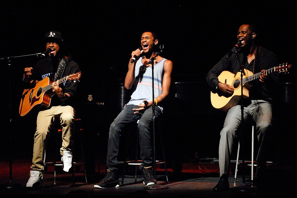 (Happier Times) Niko McKnight, Brian McKnight Jr., & Brian McKnight perform at the Brown Theatre on July 10, 2011 in Louisville, Kentucky | Photo: Getty Images