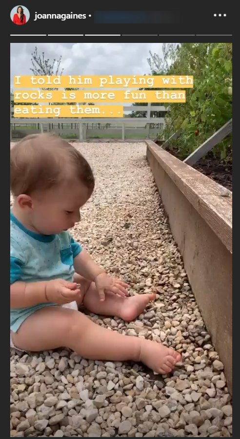 Joanna Gaines' son Crew playing with stones | Photo: Instagram Story/Joanna Gaines