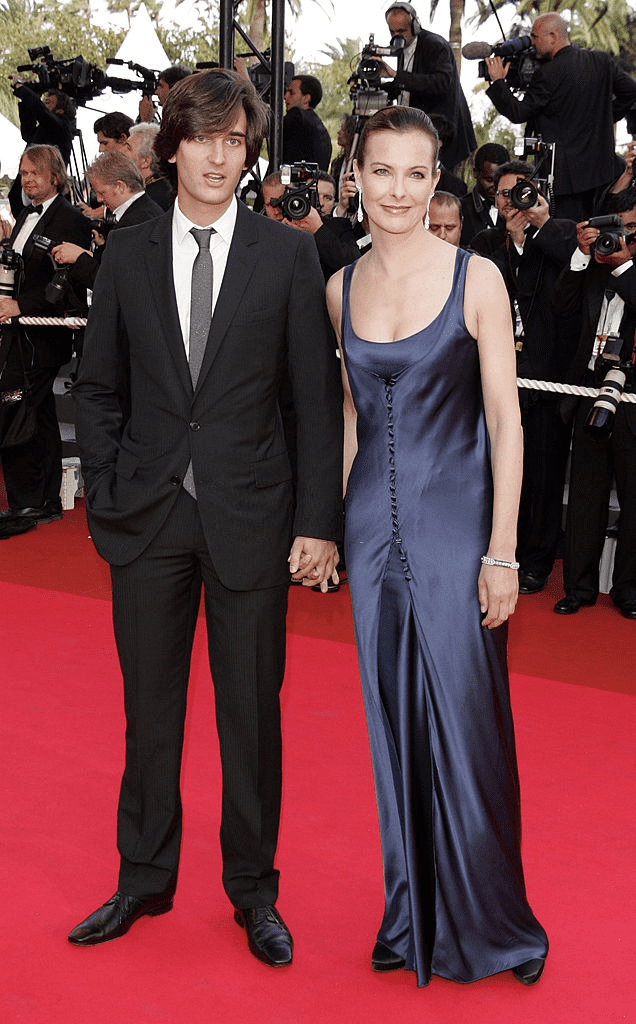 CANNES, FRANCE - 27 MAI : L'actrice Carole Bouquet et son fils Dimitri Rassam assistent au 60e Festival international du film de Cannes le 27 mai 2007 à Cannes, France. | Photo : Getty Images