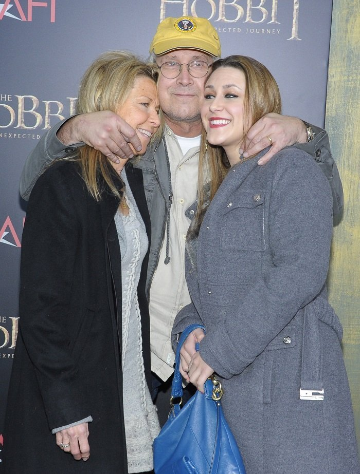Jayni Chase, Chevy Chase, and Cydney Cathalene Chase. I Image: Getty Images.