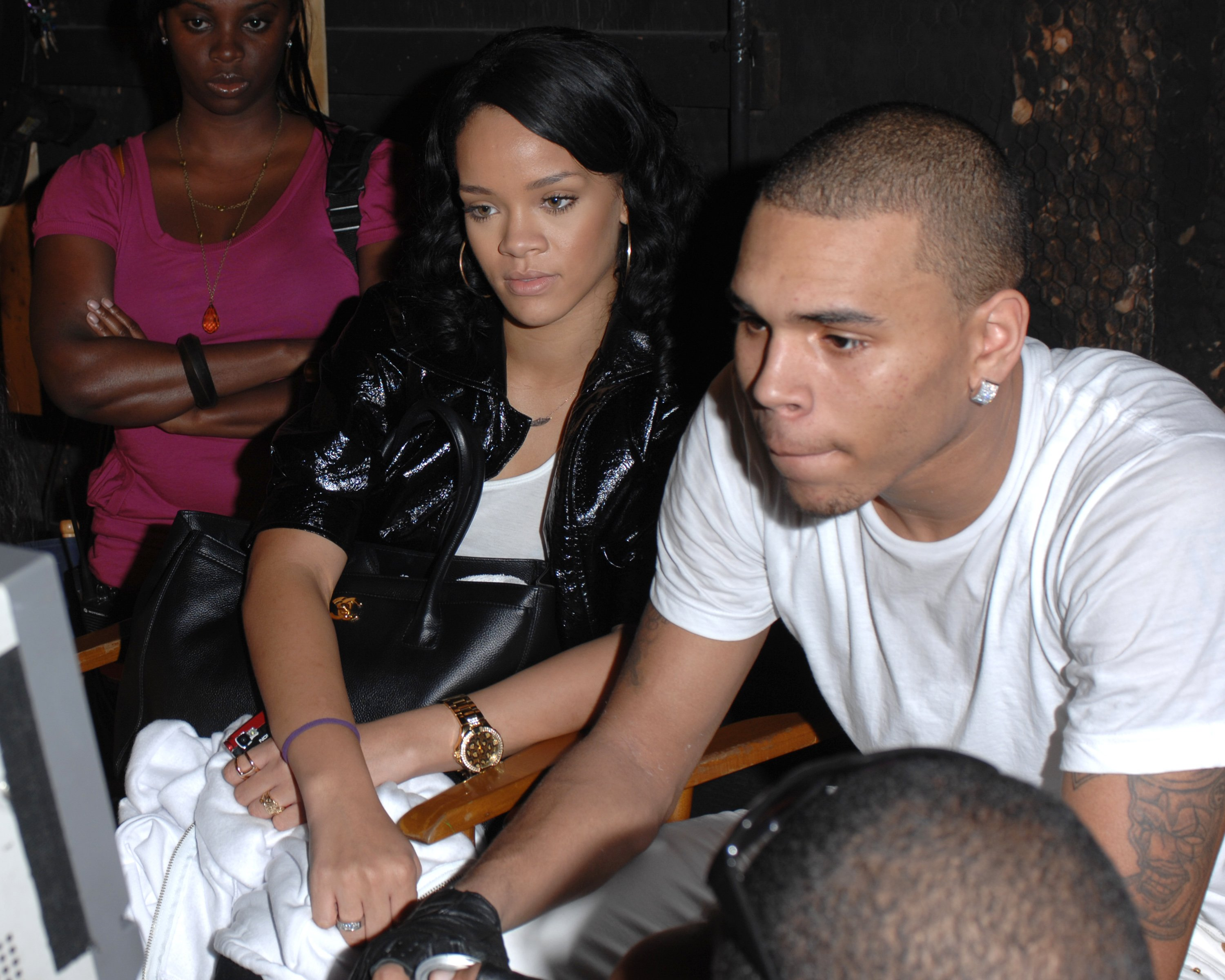 Rihanna and then-boyfriend Chris Brown on the set of a video shoot in December 2007 in Miami. | Photo: Getty Images