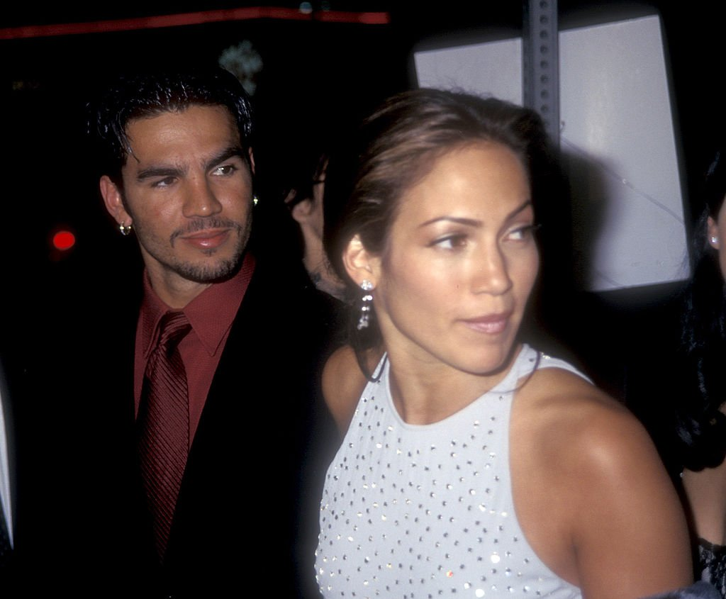 Jennifer Lopez and Ojani Noa at the Pacific Cinerama Dome in Hollywood, California on March 13, 1997 | Photo: Getty Images