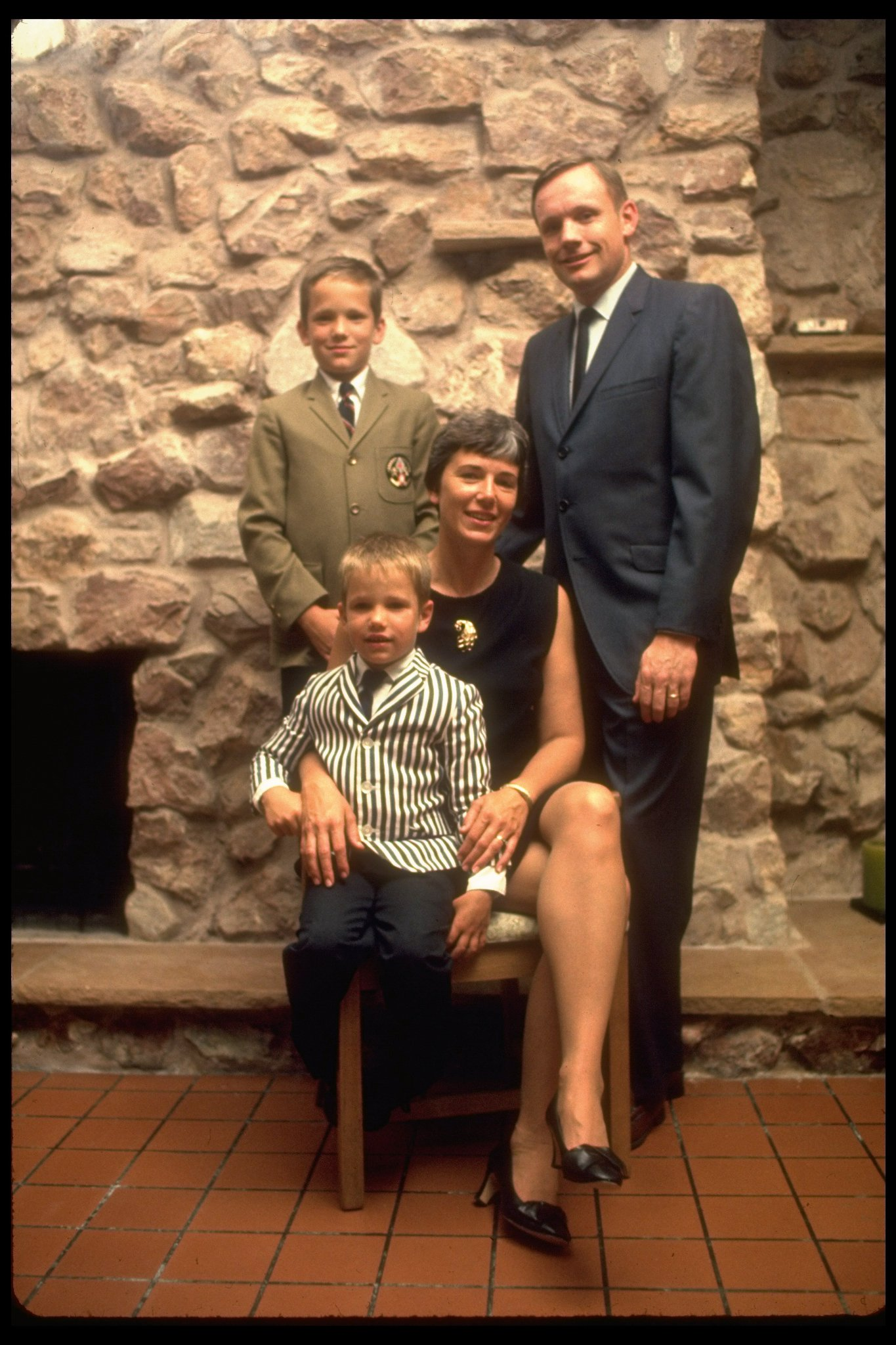 Neil Armstrong with wife Janet Shearon and sons, United States, March 1969. | Photo: Getty Images