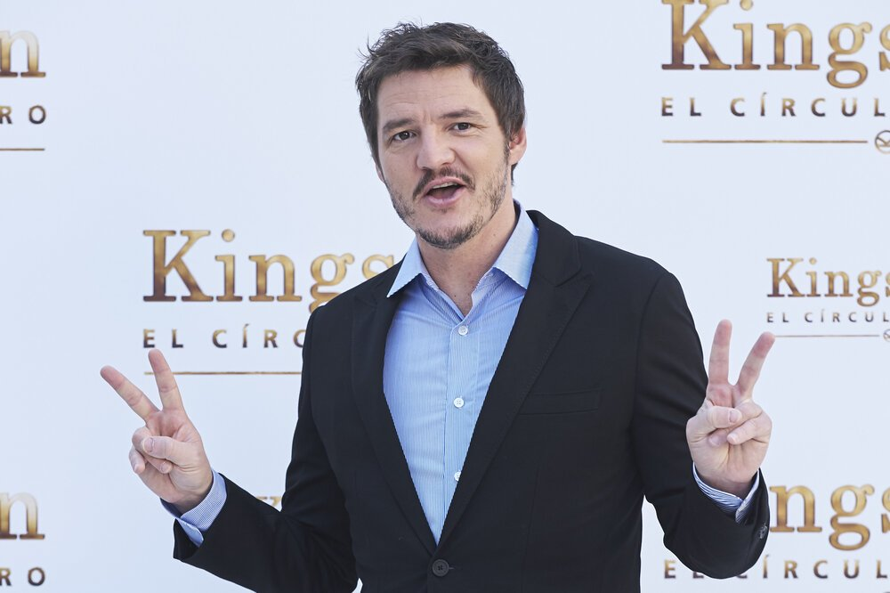 """Pedro Pascal attending """"Kingsman: El Circulo De Oro"""" photocall at the Palacio de los Duques Hotel in Madrid, Spain, in September 2017. 