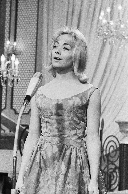 Isabelle Aubret remportant l'Eurovision en 1962. l Source : Wikimedia Commons