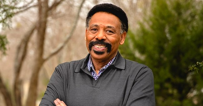 Dr. Tony Evans poses for a portrait in a forest | Source: Facebook/drtonyevans