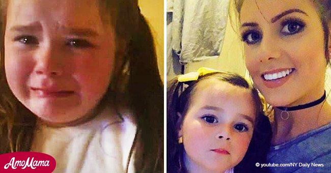 Ein kleines Mädchen kann nicht aufhören zu weinen, da sie versteht, dass sie Weihnachten wieder ohne eigenes Zuhause feiern wird