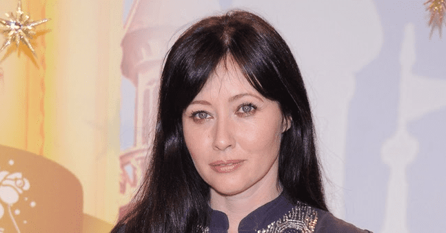 Shannen Doherty's 90210 Costar Tori Spelling & Other Celebrities Show Love to the Actress after Breast Cancer Reveal