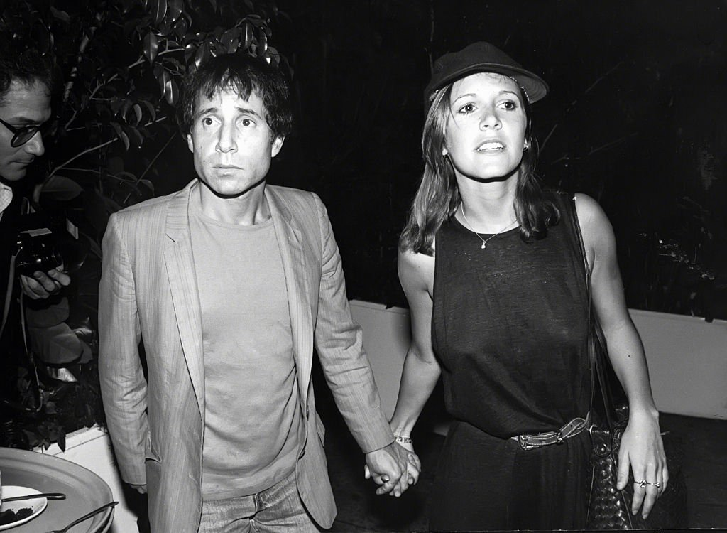 Paul Simon and Carrie Fisher circa 1980 in New York City. | Source: Getty Images