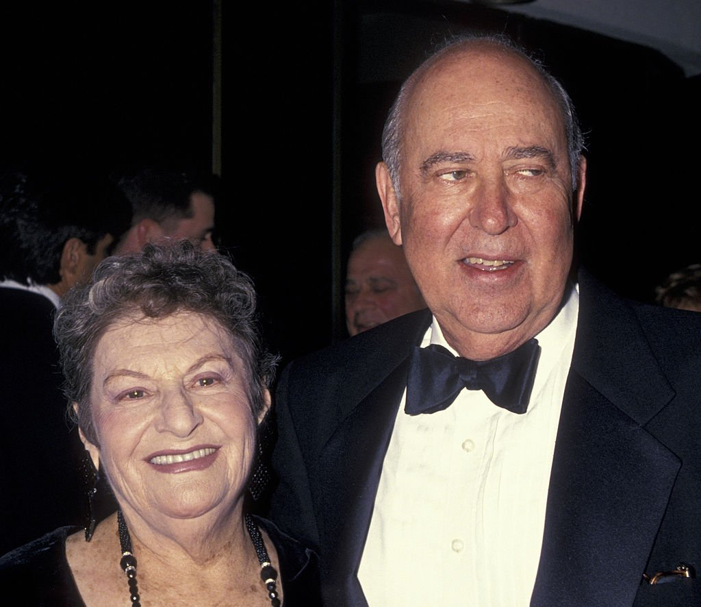 Carl Reiner(R) and wife Estelle Reiner attend the premiere of 'That's Entertainment III' on April 28, 1994 | Photo: Getty Images