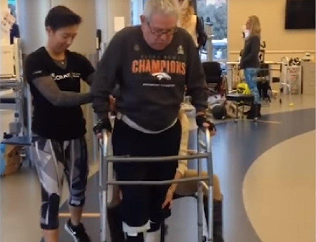 Jim Stamp travaillant dur pour pouvoir marcher à nouveau. l Source: YouTube/Good Morning America