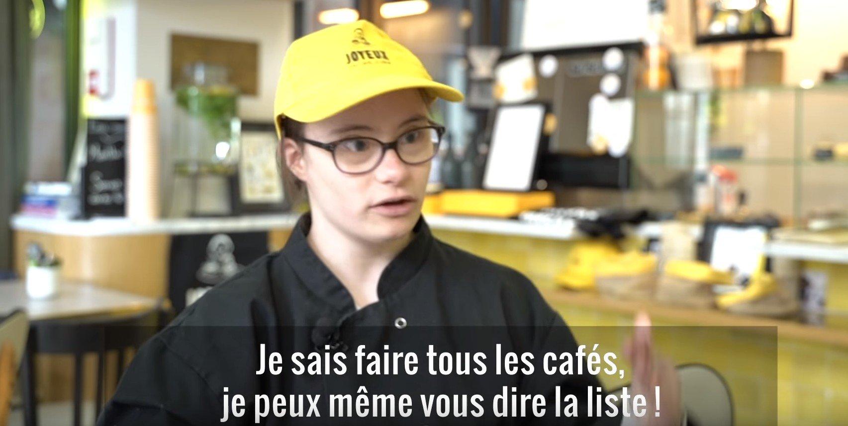 """Mathilde, une employée du """"Joyeux"""". l Source: YouTube/ L'Obs"""