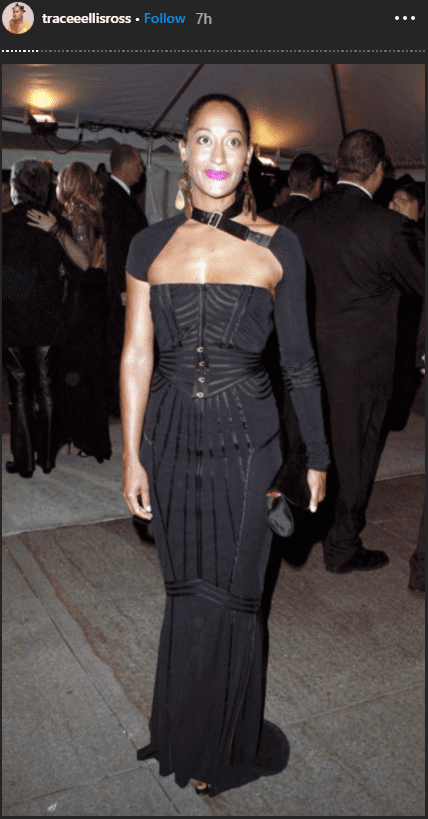 Actress Tracee Ellis Ross wore a black gown that highlighted her hourglass figure. | Photo: instagram.com/traceeellisross