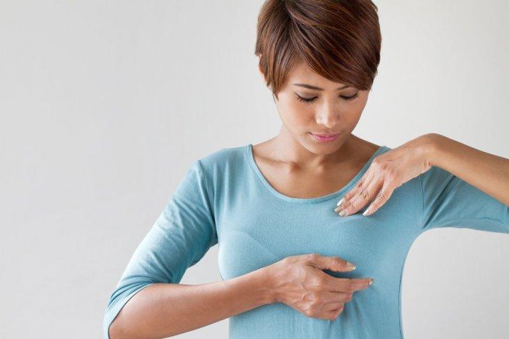 Examen mammaire | Source : Shutterstock