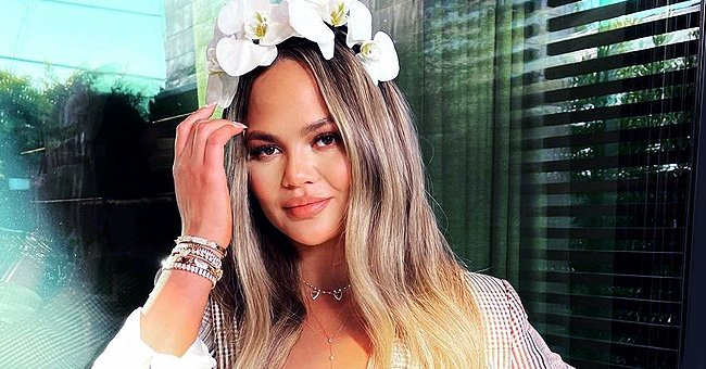 Chrissy Teigen Finally Returns to Twitter 3 Weeks after Her Unexpected Exit