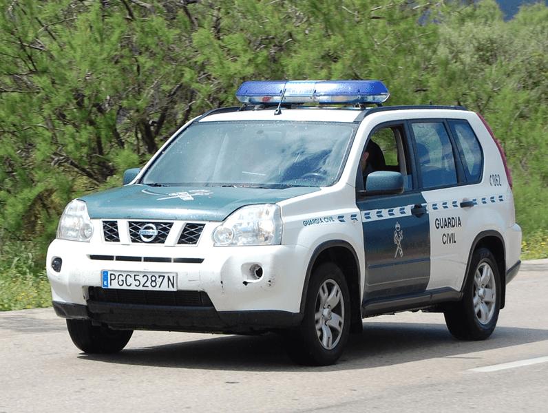 Patrulla de la Guardia Civil. | Imagen: Wikimedia Commons