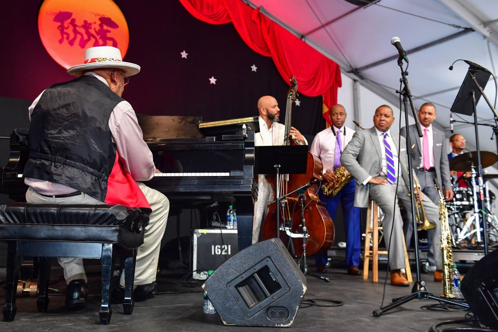 (L-R) Ellis Marsalis, Branford Marsalis, Wynton Marsalis, Delfeayo Marsalis and Jason Marsalis perform during the 2019 New Orleans Jazz & Heritage Festival 50th Anniversary at Fair Grounds Race Course on April 28, 2019 | Photo: Getty Images