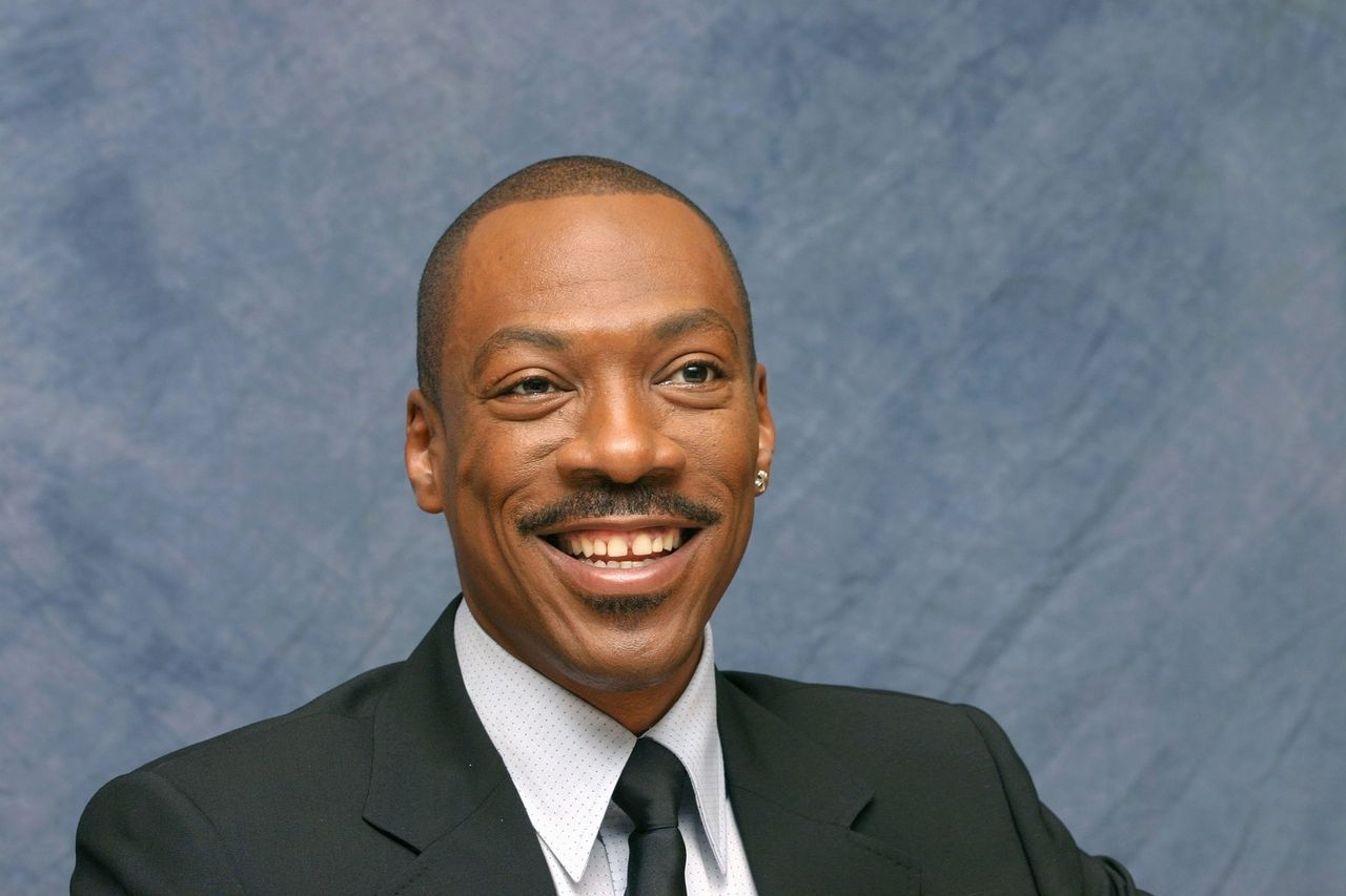 Actor Eddie Murphy speaks with the media at the Beverly Hilton Hotel on November 17, 2006 in Beverly Hills, California | Photo: Getty Images