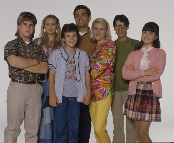 """The Wonder Years"" casts: Jason Hervey, Olivia d'Abo, Fred Savage, Dan Lauria, Alley Mills, Josh Saviano, and Danica McKellar. 