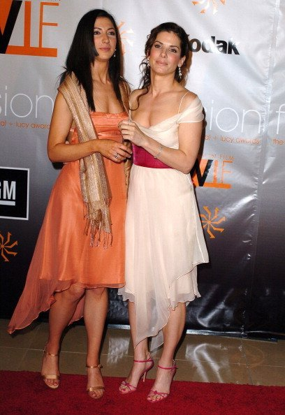 Gesine Prado and Sandra Bullock during 2005 Women In Film Crystal + Lucy Awards | Photo: Getty Images