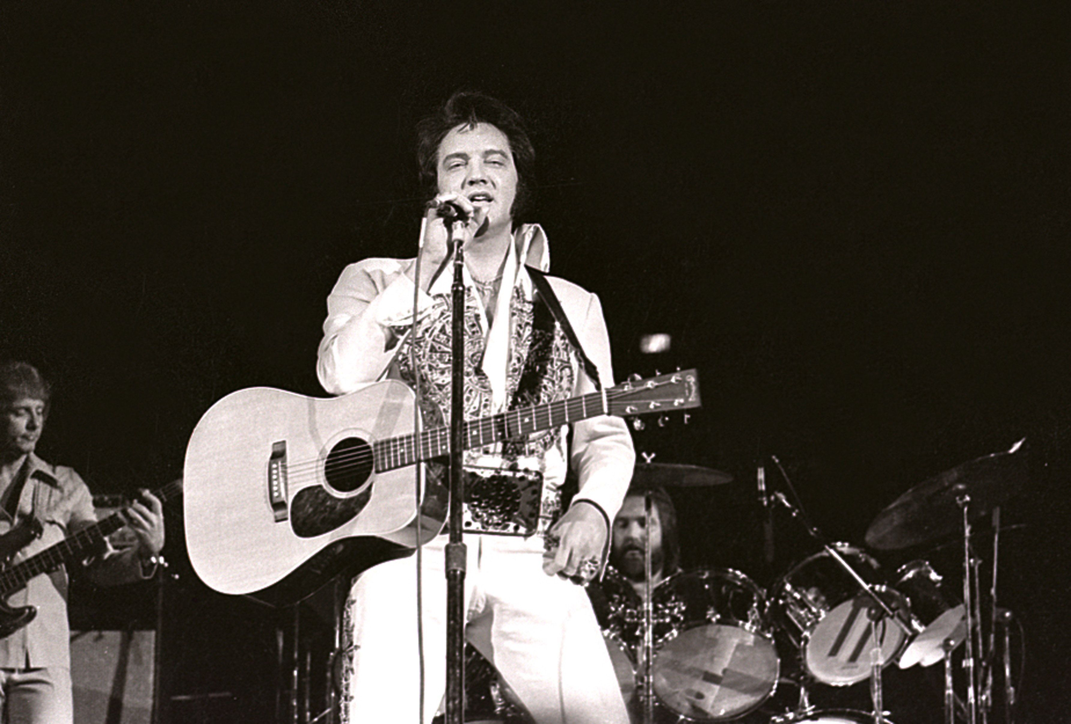 Elvis Presley at the Milwaukee Arena on April 27, l977 in Milwaukee, Wisconsin.   Source: Getty Images