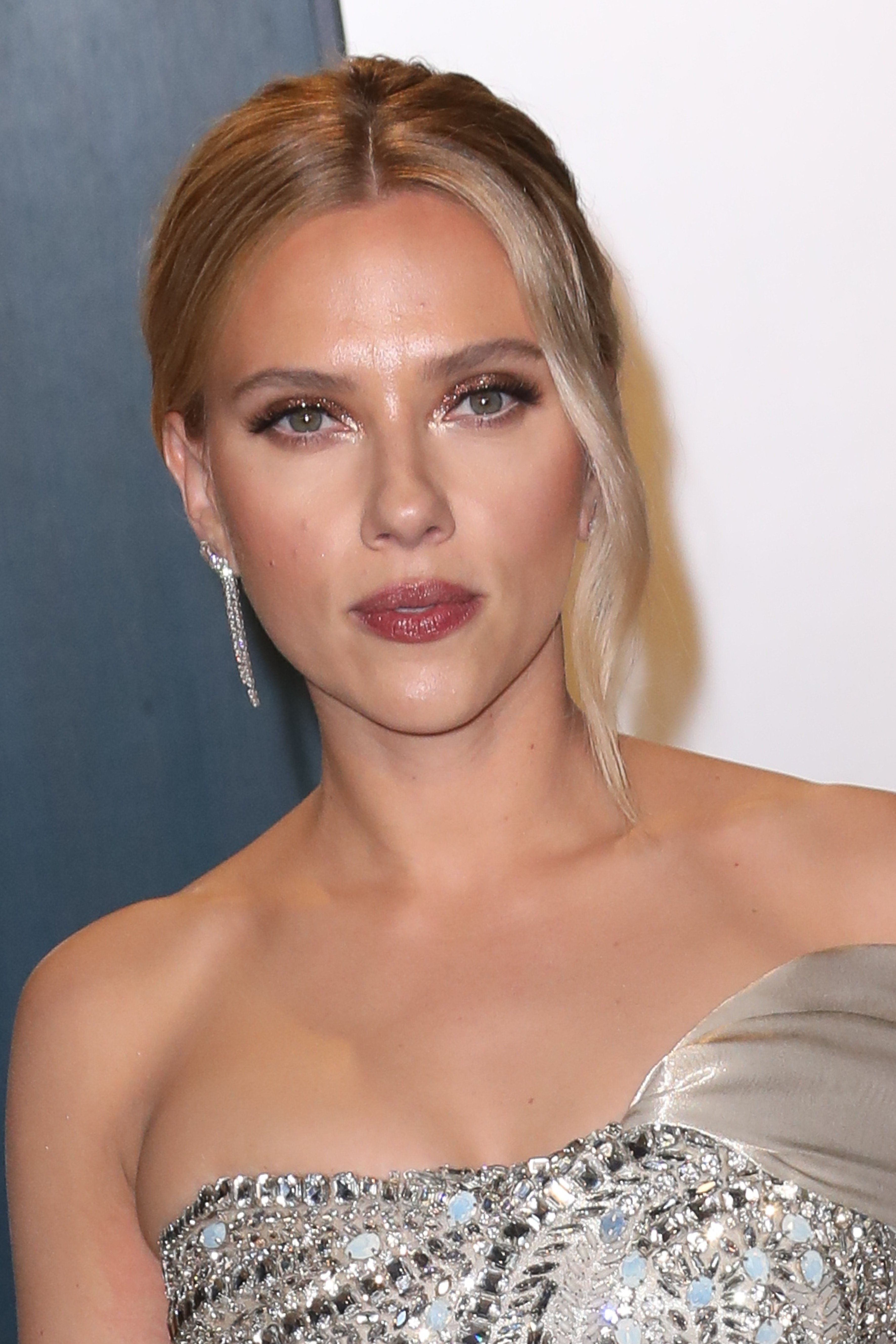 Scarlett Johansson attends the 2020 Vanity Fair Oscars Party in Beverly Hills | Photo: Getty Images