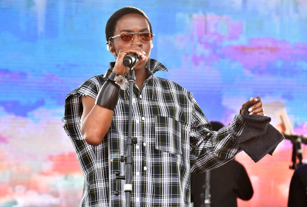 Rapper icon Lauryn Hill singing onstage during the 2019 Sonoma Harvest Festival in Glen Ellen, California. | Photo: Getty Images