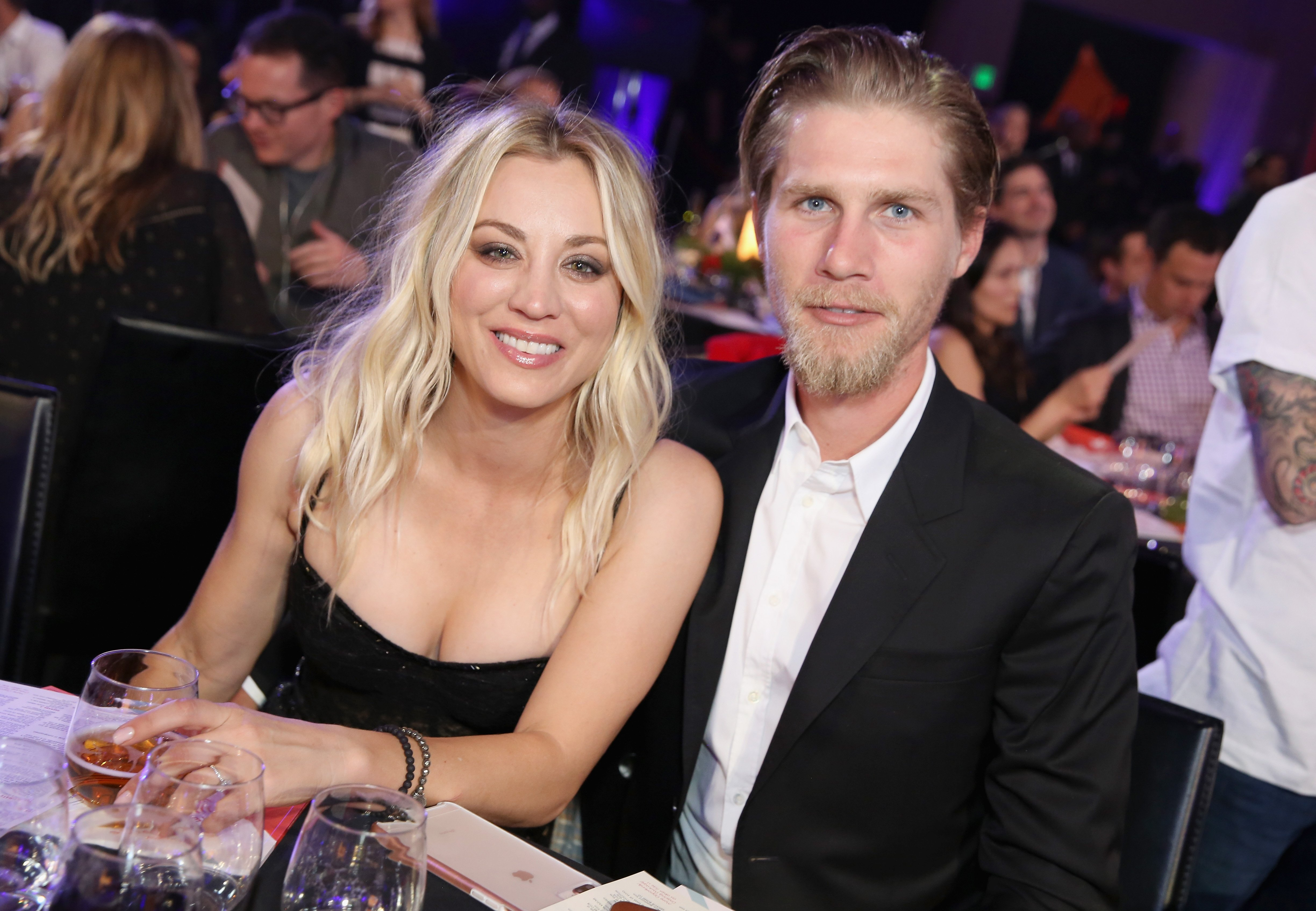 Kaley Cuoco and Karl Cook at Seth Rogen's Hilarity For Charity at Hollywood Palladium in Los Angeles, California | Photo: Rachel Murray/Getty Images for Netflix
