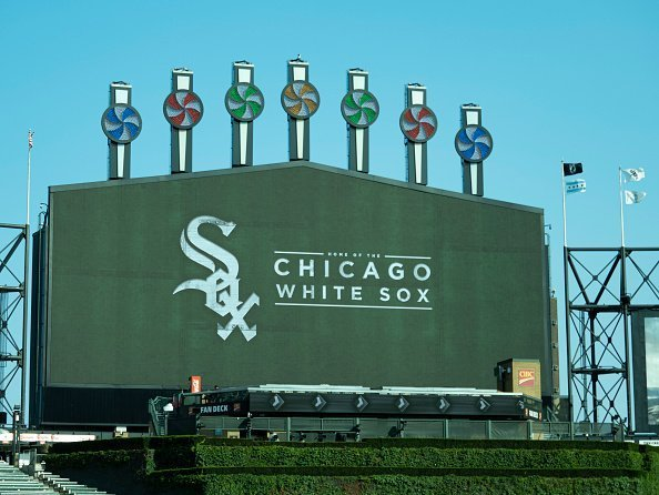 A view of the Chicago White Sox logo before a MLB regular season game | Photo: Getty Images