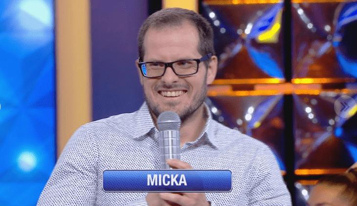 Mickaël (N'oubliez pas les paroles) sur le plateau de France 2   Photo : Téléstar