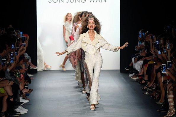 Pat Cleveland walks the runway at the Son Jung Wang Runway during New York Fashion Week on September 10, 2016, in New York City.| Source: Getty Images.
