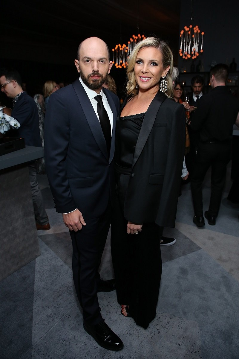 Paul Scheer and June Diane Raphael on September 17, 2018 in Los Angeles, California   Photo: Getty Images