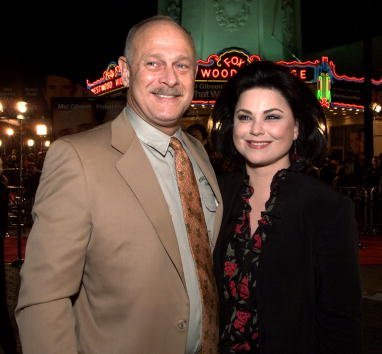 Gerald McRaney and Delta Burke at the Village Theater in Los Angeles, Ca. 12/13/00. | Photo: Getty Images