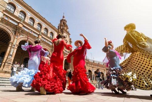 Spanish women dancing the flamenco. | Source: Shutterstock.