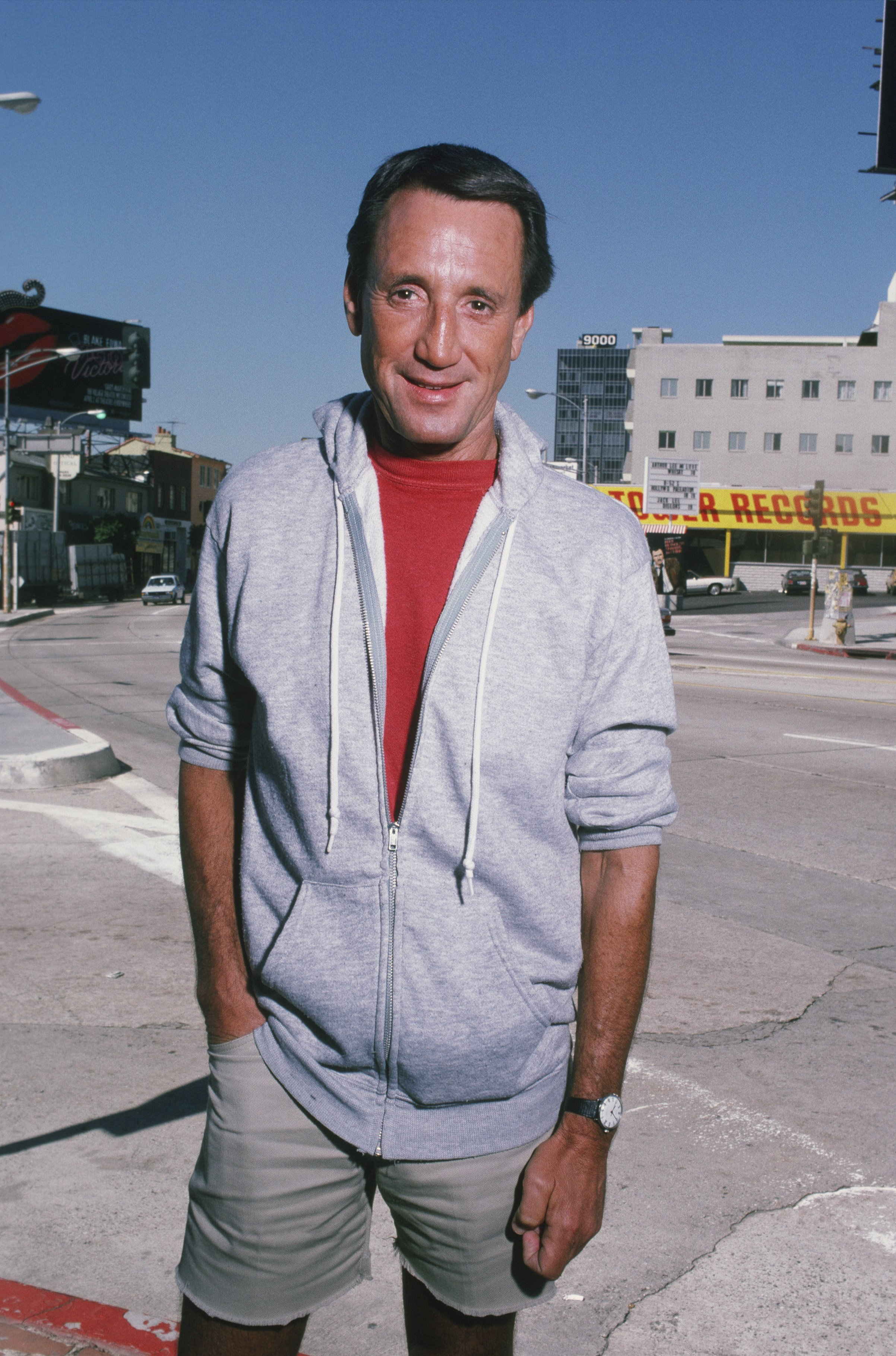 Roy Scheider poses on Sunset Blvd during a 1987 West Hollywood, California, photo portrait session.   Source: Getty Images.