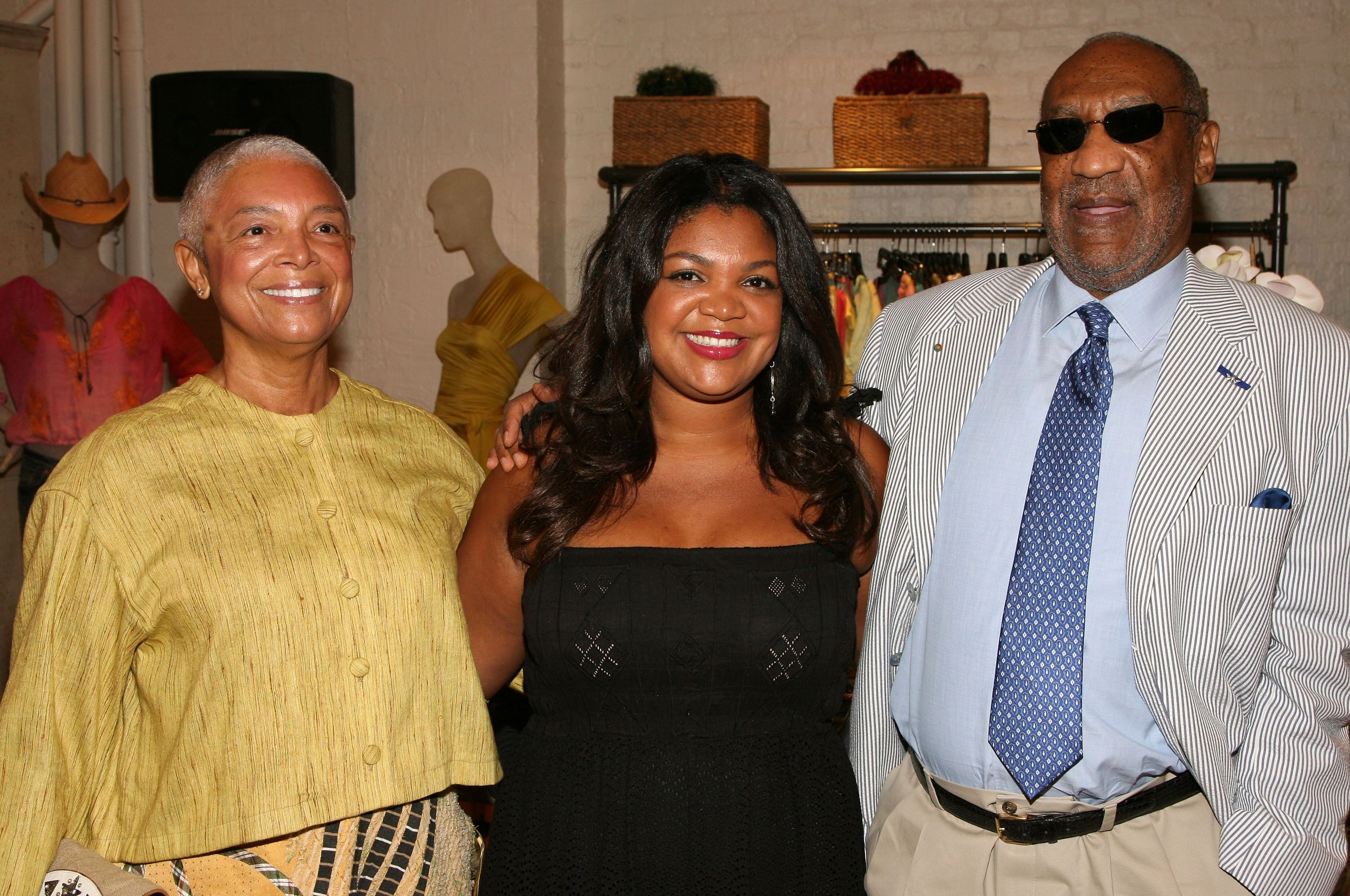 Camille, Evin and Bill Cosby at the launch of the pb&Caviar store in 2008 in New York City | Source: Getty Images