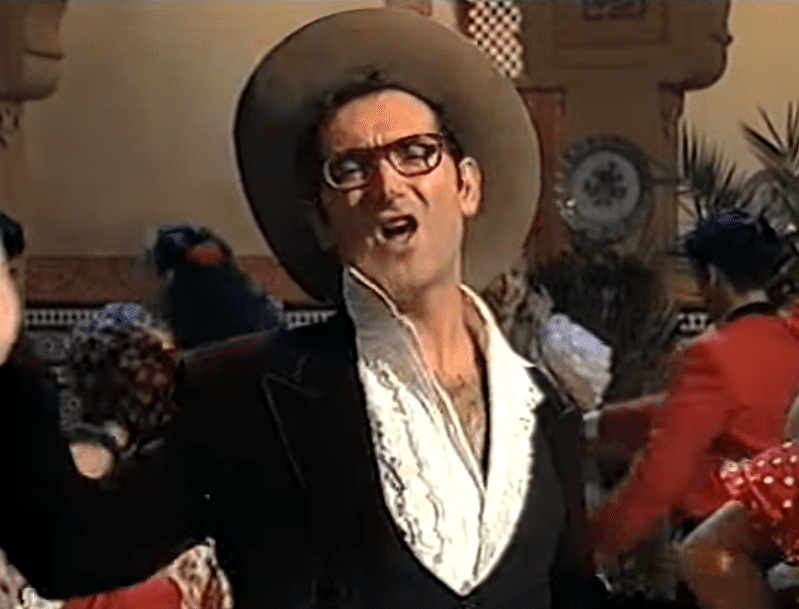 Paco Vegara cantando 'Échale guindas al pavo'. | Imagen: YouTube/Franc La lío