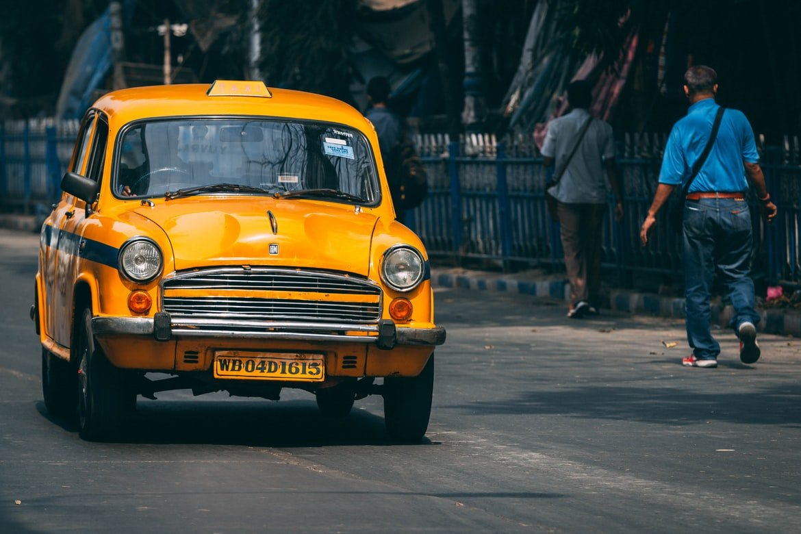 Carla saw the woman get into a taxi | Source: Unsplash