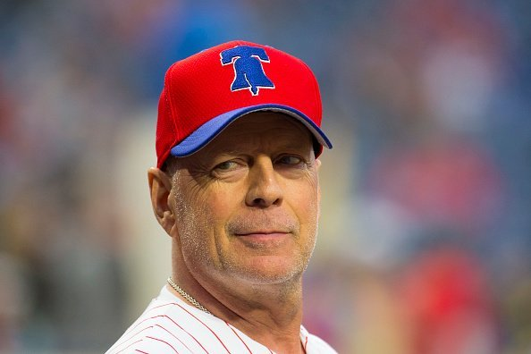 Bruce Willis at the game between the Milwaukee Brewers and Philadelphia Phillies in Philadelphia, Pennsylvania.  Photo: Getty Images.