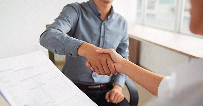A photo of two men shaking hands | Photo: Shutterstock.com