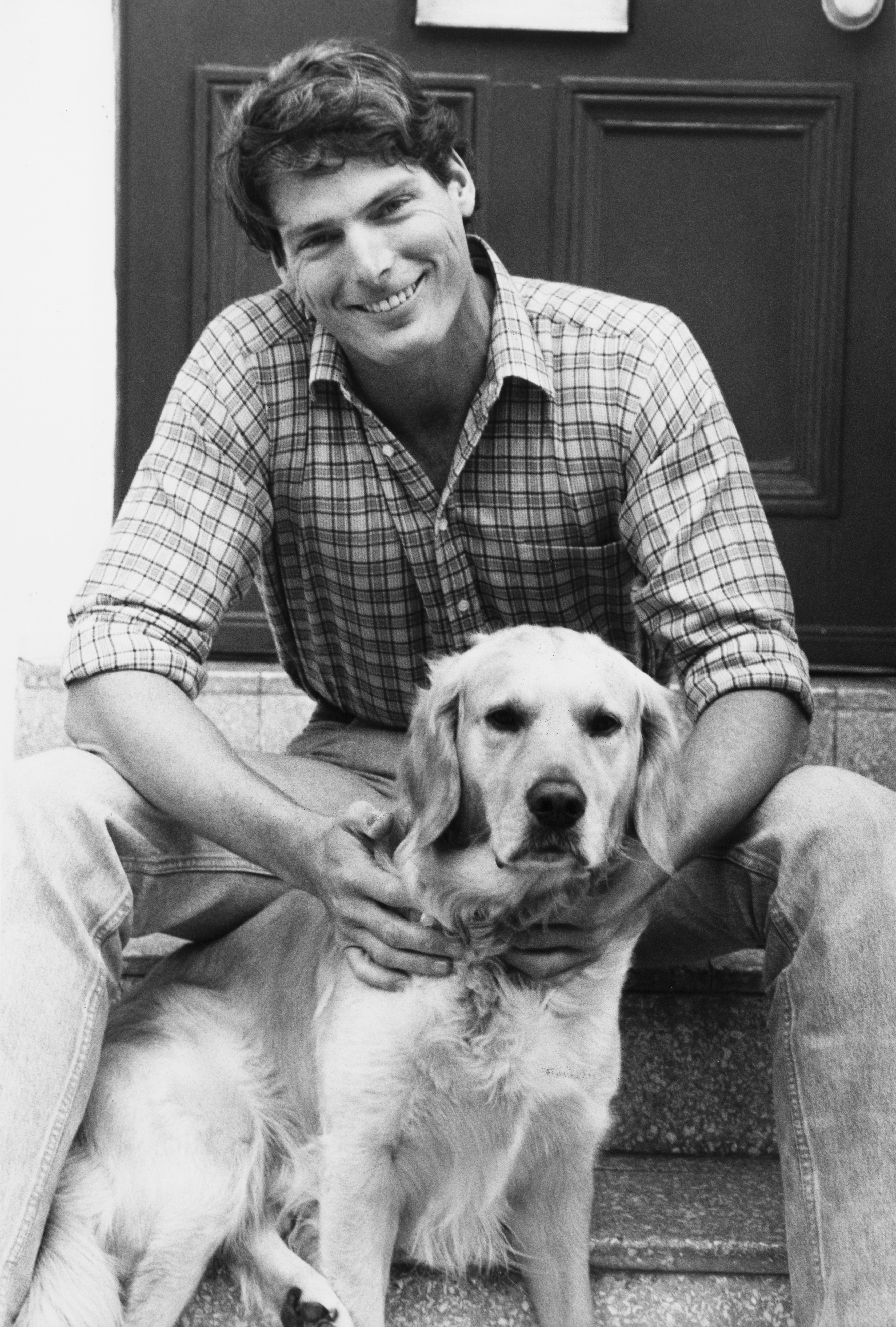 Young Chriss Reeve posing with dog, 1986 | Photo: Getty Images