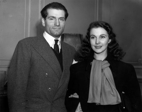 Laurence Olivier  and Vivien Leigh after their arrival in England from Hollywood to play their part in WW II | Photo: Getty Images