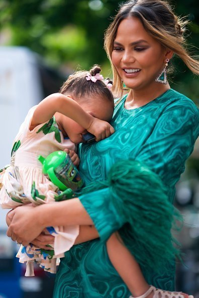 Chrissy Teigen and Luna Stephens are seen in Little Italy on June 24, 2019 in New York City | Photo: Getty Images