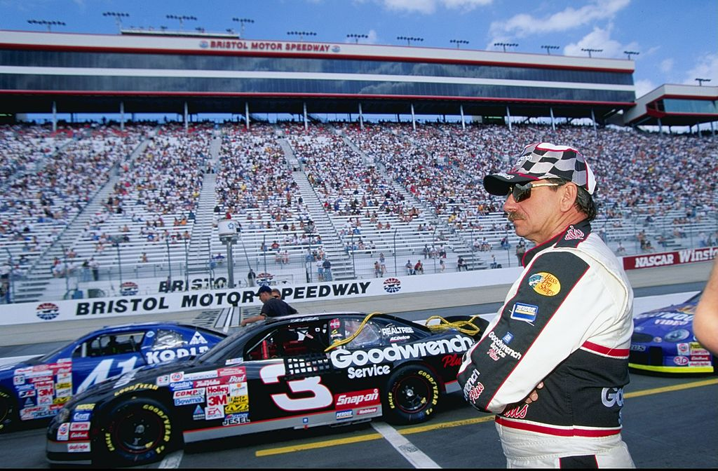 Dale Earnhardt looking on during practice for the Food City 500 of the NASCAR Winston Cup Series in Bristol, Tennessee | Photo: Getty Images